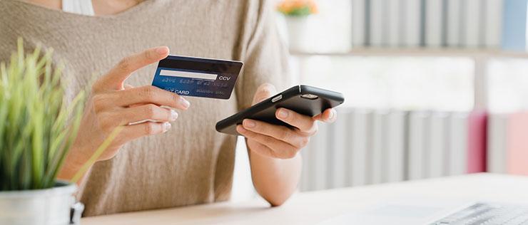 В каком банке выгоднее брать потребительский кредит